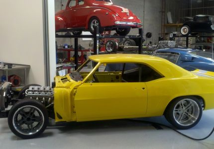 musc yellow-camaro
